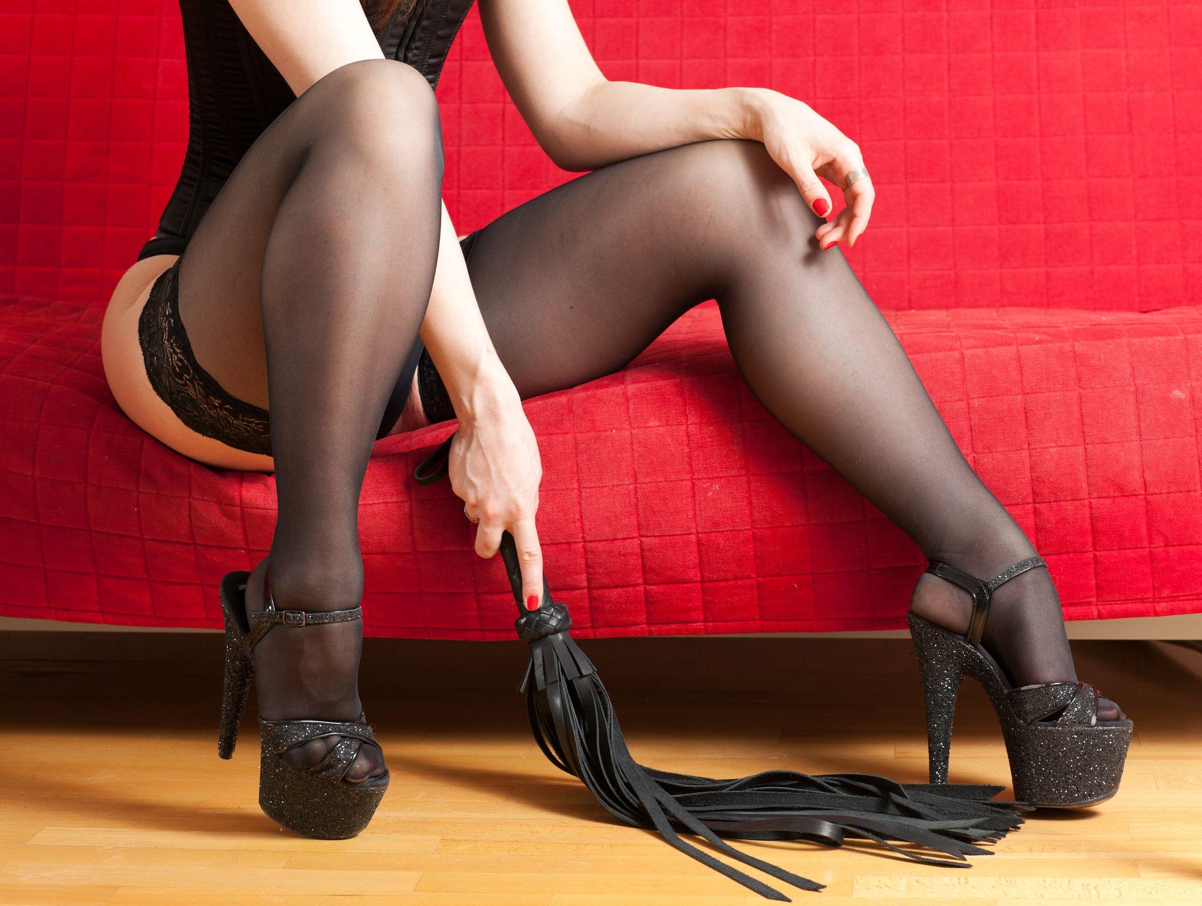 Смотреть онлайн секс господин раба госпожа раб, Русская госпожа срет на раба -видео. Смотреть 25 фотография