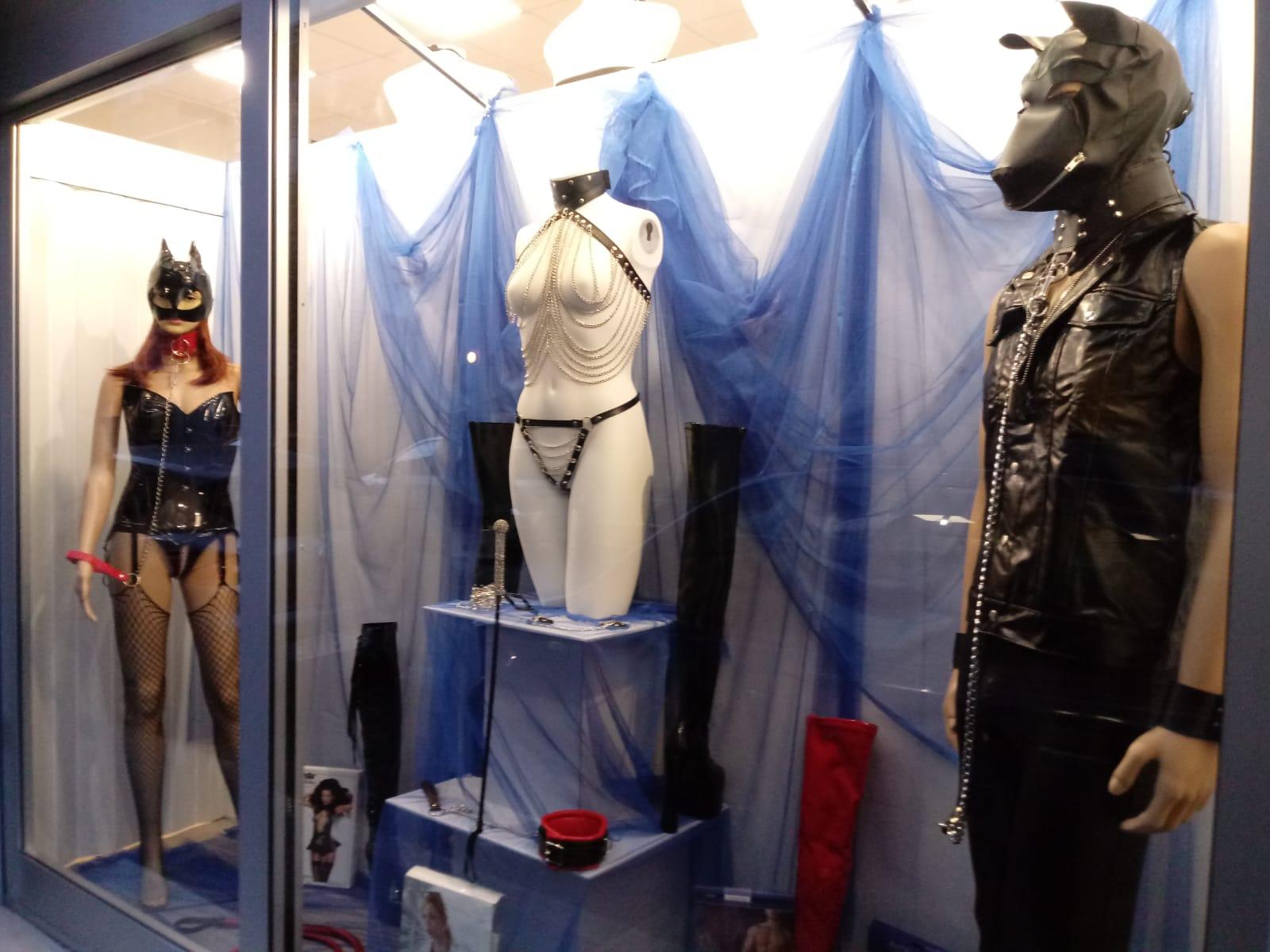 Play Party BDSM alla Boutique dell'Eros Sexy Shop Bologna