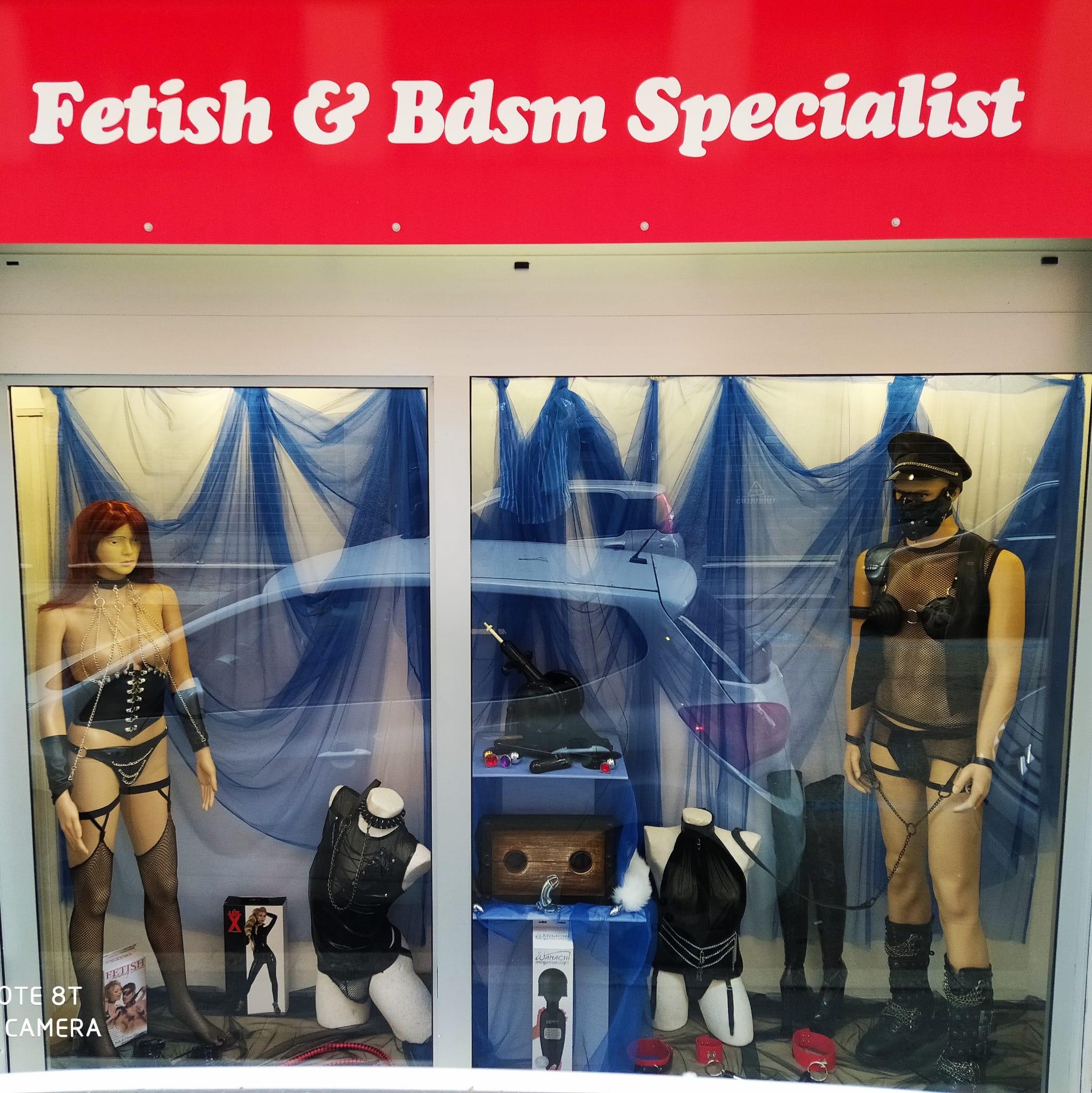 Domenica Pomeriggio Aperti Boutique dell'eros fetish sexy shop